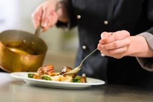 chef cuisinier à domicile conciergerie privée luxe var provence